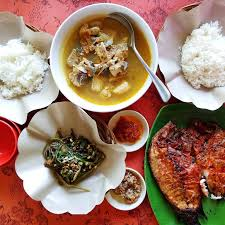 Warung Becol never Deserted by Visitors for Seafood
