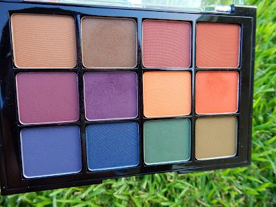 Viseart Dark Mattes Palette - www.modenmakeup.com