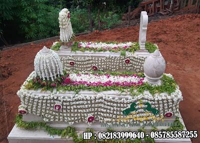 Makam Batu Marmer Putih