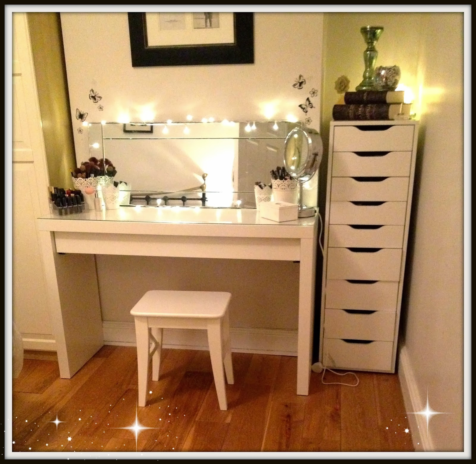 Makeup storage and vanity table