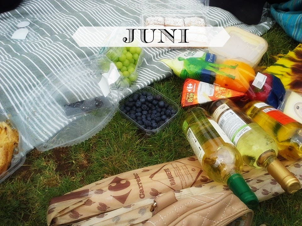 http://sussysmediterraneantreasures.blogspot.de/2014/06/water-of-love-picnics-in-barcelona.html