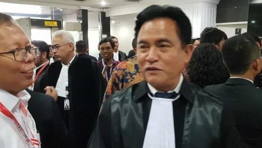 Yusril Tunggu Aba-aba Jokowi Pidanakan Amplop Saksi Prabowo