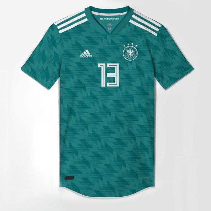 Vazam imagens da camisa verde da Alemanha para Copa do Mundo 2018 ... a1ed4b169b6ab