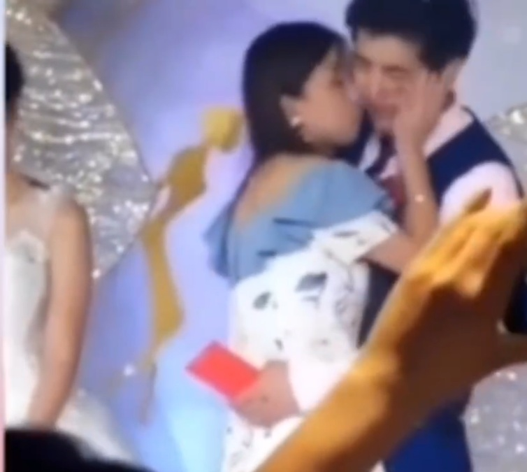 Chú rể và người yêu cũ hôn nhau ngay trong đám cưới :3