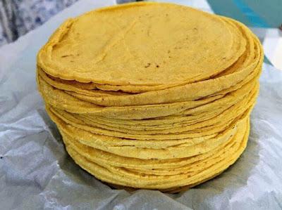 خبز تورتيلا الذرة، من دقيق الذرة