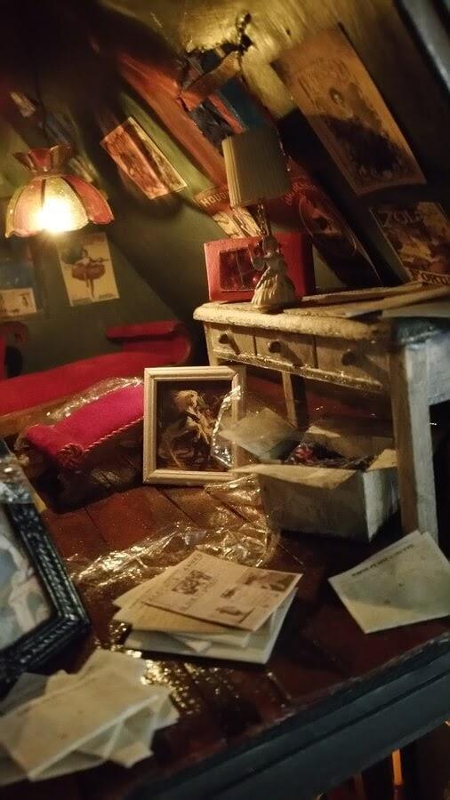 09-Victorian-Room-decoration-Greggs-www-designstack-co