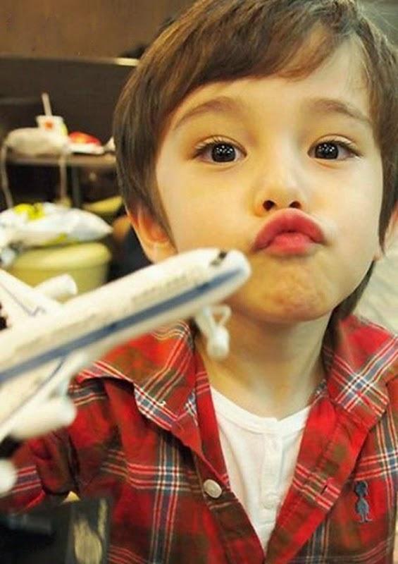 Gambar Dennis Kane bocah paling ganteng dan imut di dunia
