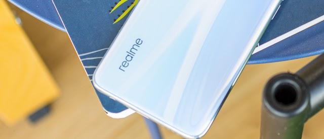 Meluncur Minggu Depan Ini Spesifikasi dan Harga Realme X50 5G