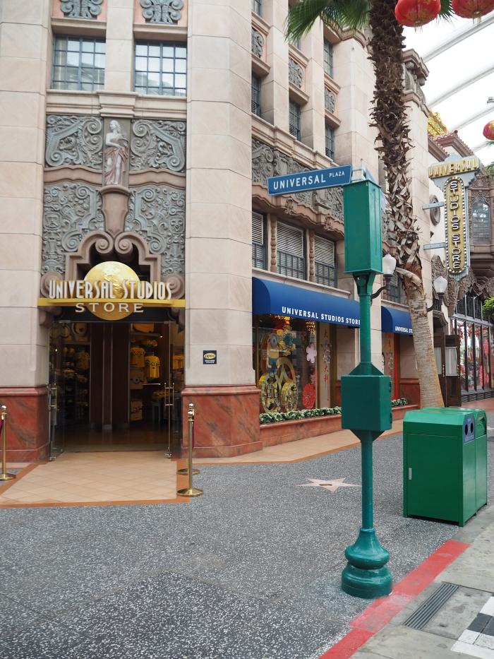 Universal Studios Singapore - Universal Studios Store   joanne-khoo.com