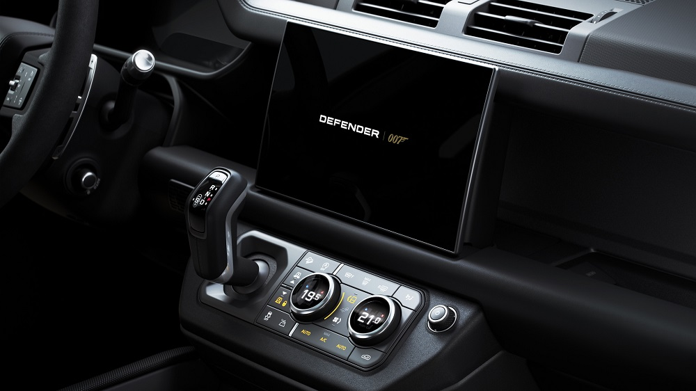 Land Rover Defender V8 Bond Edition