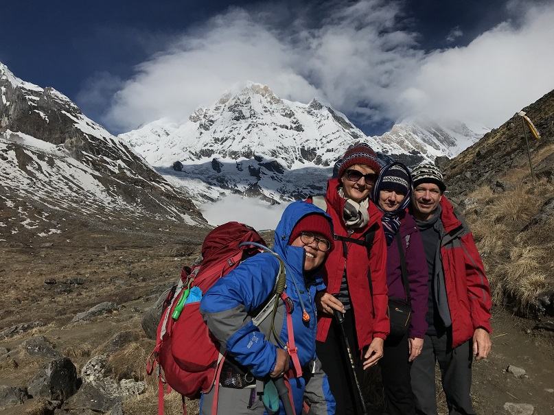 traveloscopy travelblog challenge yourself with a 3 sisters adventure trek and help empower the