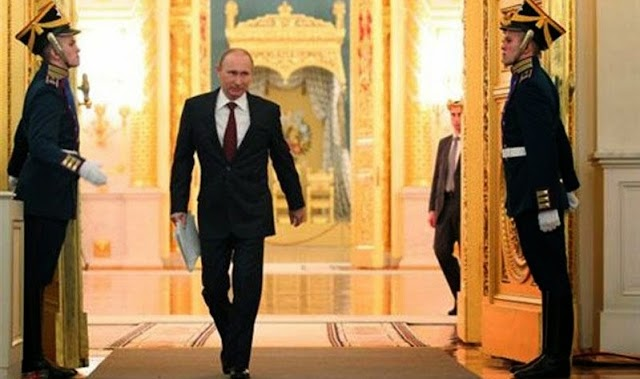 Ο Ρώσος πρόεδρος Βλαντιμίρ Πούτιν «πέρασε» ΝΟΜΟ που απαγορεύει τον γάμο των ομοφυλόφιλων, αλλά και το δικαίωμα των τρανς να υιοθετήσουν παιδιά....!!