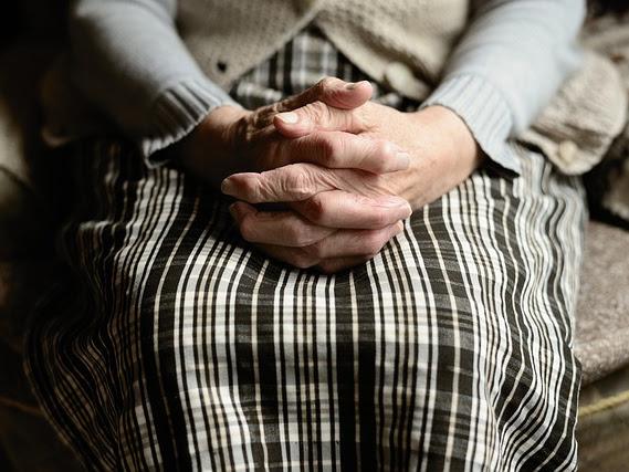 Amar a los ancianos: Centro Comunitario a medida para personas mayores y discapacitadas