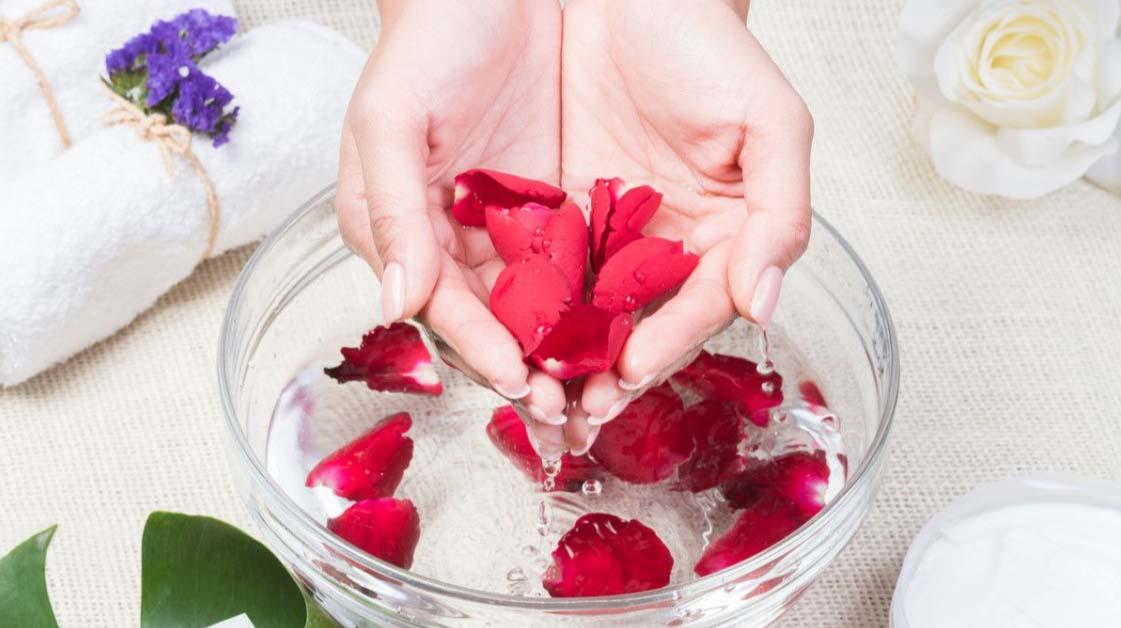 Manfaat Air Mawar untuk Kecantikan dan Kesehatan
