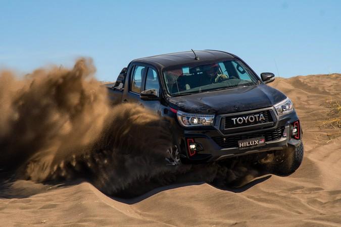 Toyota apresenta Hilux GR Sport com motor V6