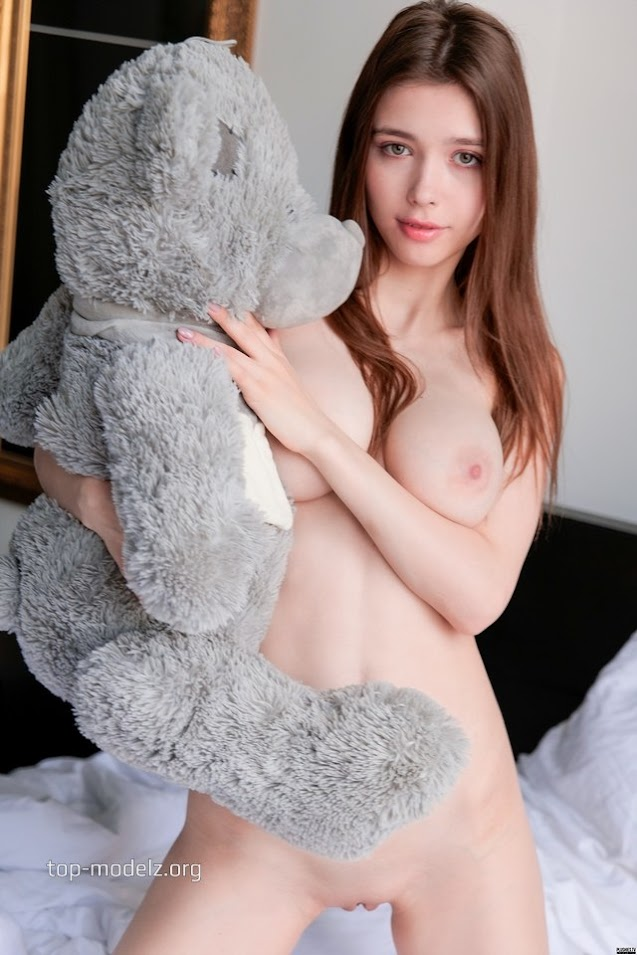 Mila Azul - Morning Rubbing 02230