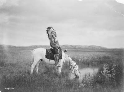 Redhawk de Oglala Sioux, 1905 foto blanco y negro