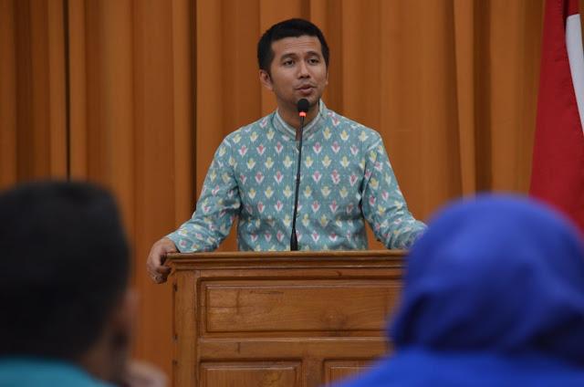 Hadiri Sosialisasi Tahapan Pemilu 2019, Bupati Emil Himbau Caleg Bertarung dengan Rekam Jejak
