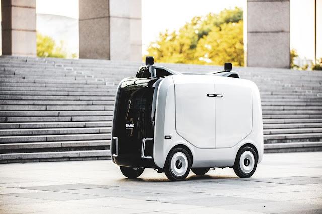 Robot kurir Xiomanlv dari Alibaba Cloud