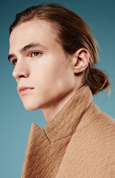 model rambut pria poni depan pendek