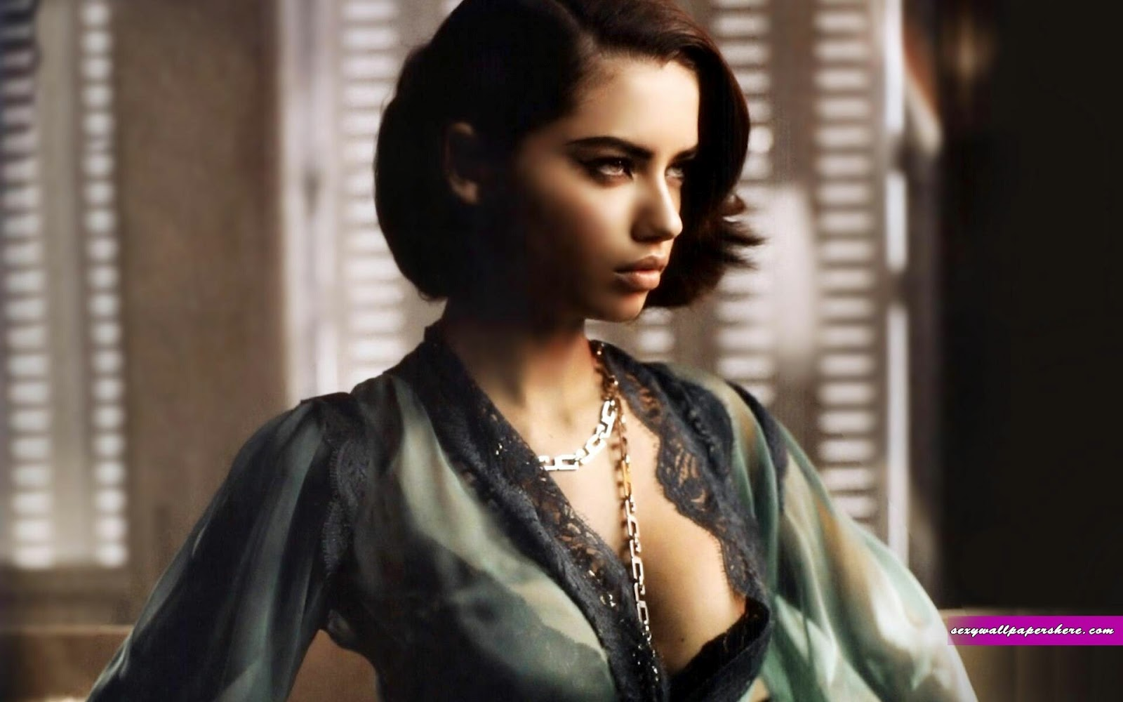 Hollywood News: Adriana Lima HD Wallpapers