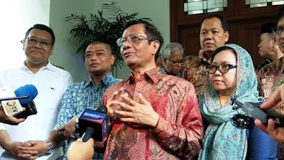 Gugatan Ditolak MK, Mahfud ke Prabowo: Mengabdi Pada Bangsa Tak Harus Jadi Presiden