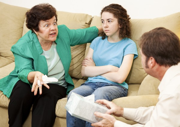 how to deal with family members that disrespect you, when family members hurt you, controlling family members, ignore family relatives, handle toxic family members, hate my relatives, family drama, irritating family members, नातेवाईक, करिअर, relationship tips in marathi, annoying relatives