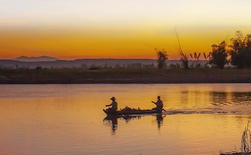 Dòng sông Đăk Bla.