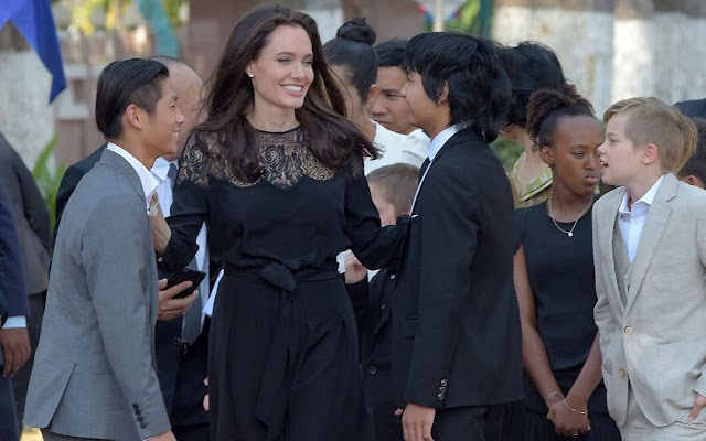 Angelina Jolie has warm words for estranged husband Brad Pitt