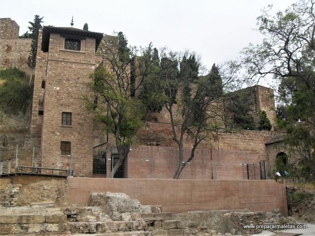 la alcazaba de Málaga es una visita imprescindible