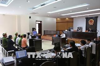 Y án sơ thẩm cho các thành viên trong Hội anh em dân chủ