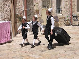 Bambini ebrei ortodossi in Israele