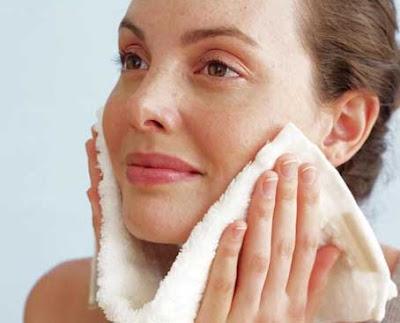 Cara merawat kulit wajah agar terlihat awet muda