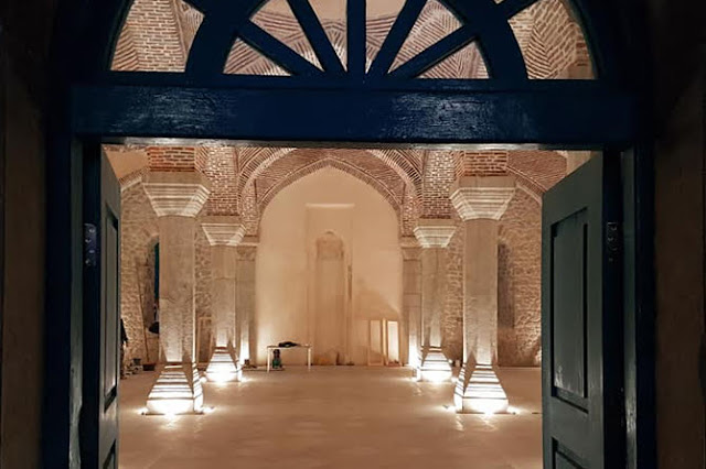 Mezquita persa restaurada en Shushi