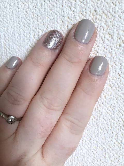 Essie Sand Tropez with rose gold accent nail