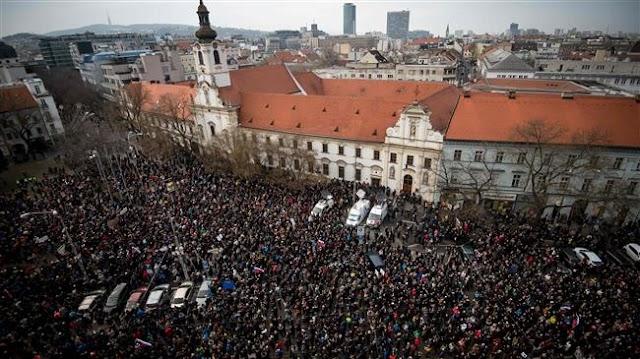 Thousands of Slovaks protest govt despite new PM