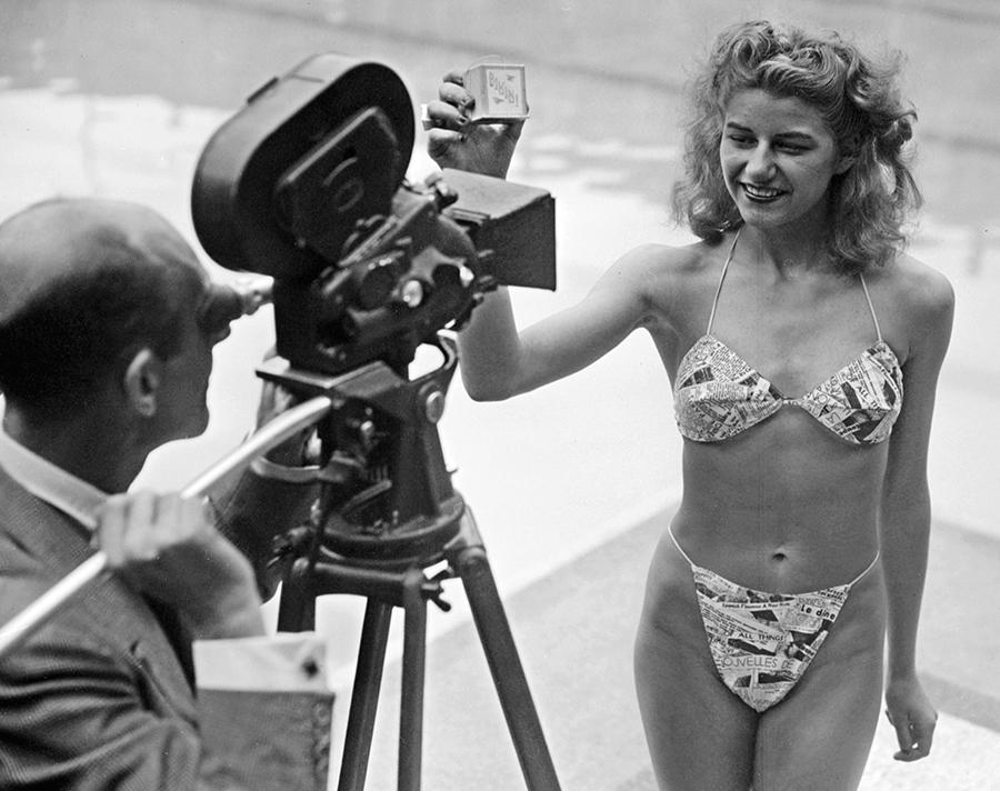 Costume Da Bagno Femminile In Inglese : Hot bikini costume da bagno stampa d costumi da bagno per le