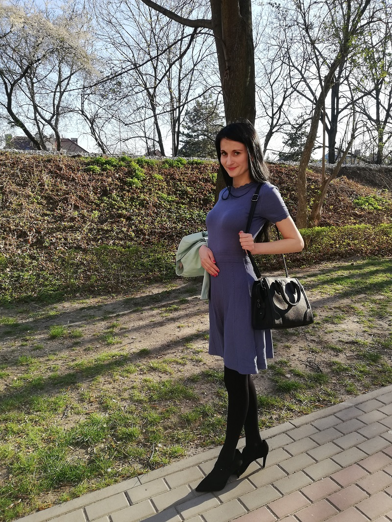Orsay błękitna sukienka z dzianiny