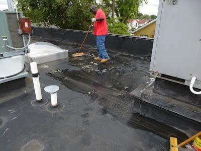 Tips dan Cara Mudah Memperbaiki Atap Rumah Bocor