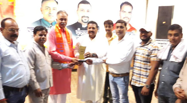 Pt Surendra Sharma '' Babli '' honored with Sanatan Hindu Rattan Award
