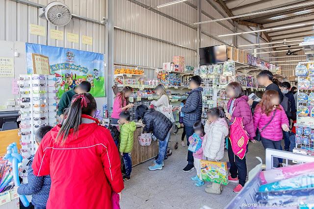 MG 6697 - 熱血採訪│台中玩具150坪批發超市人超多,限定小丑與魔術表演入場直接請你看!