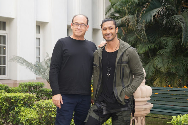 Vidyut Jammwal promotes his upcoming movie 'Junglee' in Delhi along with 'The Scorpion King' director Chuck Russell