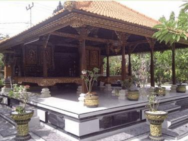 Bale Dauh Rumah Bali Asli