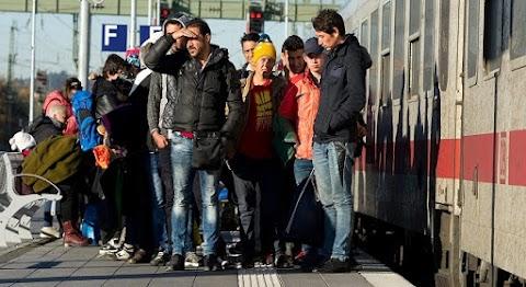 Alakul a migránsellenes felkelés, már gázspray-t osztanak és egyre több Német város tiltakozik