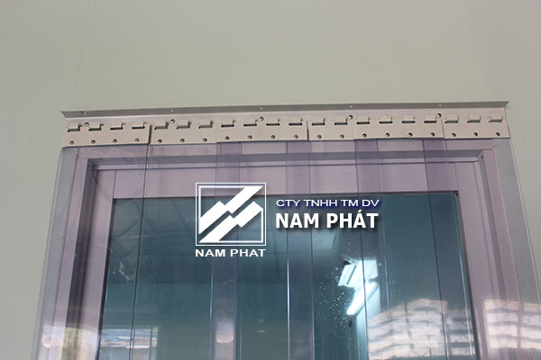 pat-thanh-treo-man-rem-nhua-inox-thep-son-tinh-dien-gia-re-4