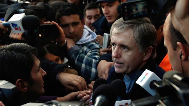 El cura argentino Julio César Grassi, condenado a 15 años de prisión, en Buenos Aires, el 10 de junio de 2009.