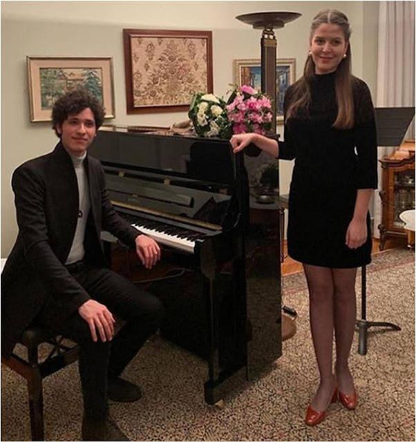 piyano, soprano