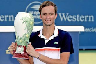 Daniil Medvedev é campeão do Masters 1000 de Cincinnati e chega ao Top 5 do ranking da ATP