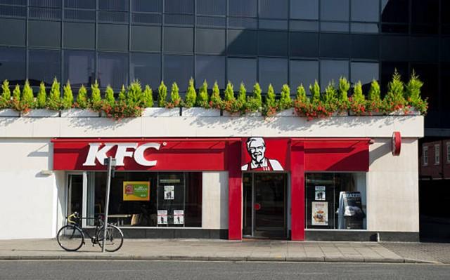 Colonel Sanders dan Rahasia Kesuksesan KFC;Kisah Colonel Sanders;