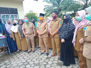 Bupati Batanghari Dampingi Gubernur Jambi Penyerahan Bantuan JPS Tahap II